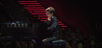 Егор Опарин и фортепиано